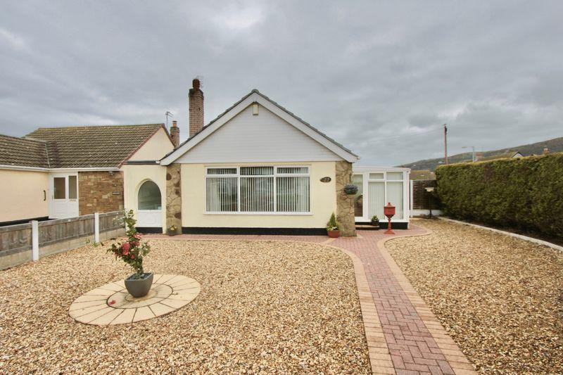 2 Bedrooms Bungalow for sale in Ffordd Penrhwylfa, Prestatyn