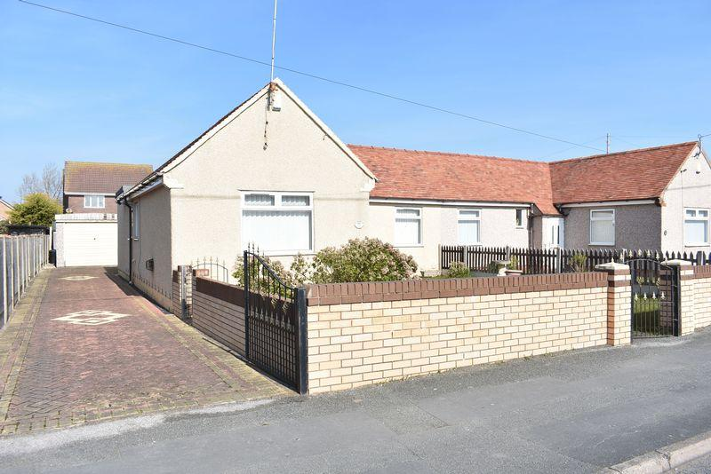 2 Bedrooms Semi Detached Bungalow for sale in Cader Avenue, Kinmel Bay