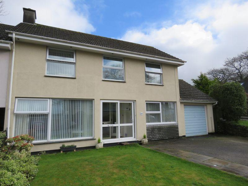 3 Bedrooms End Of Terrace House for sale in Upland Crescent, Truro