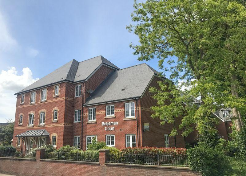 1 Bedroom Retirement Property for sale in Betjeman Court, Wantage