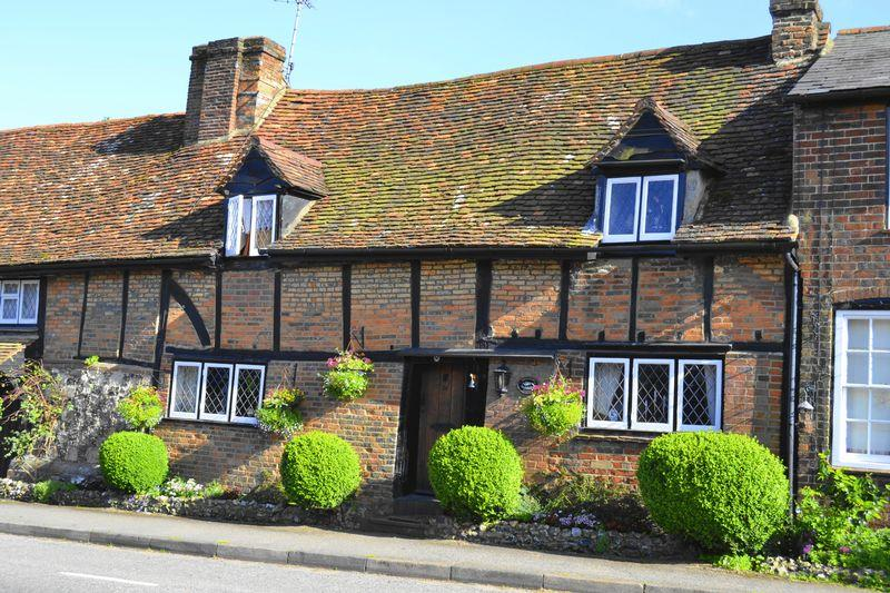 2 Bedrooms Unique Property for sale in High Street, Flamstead