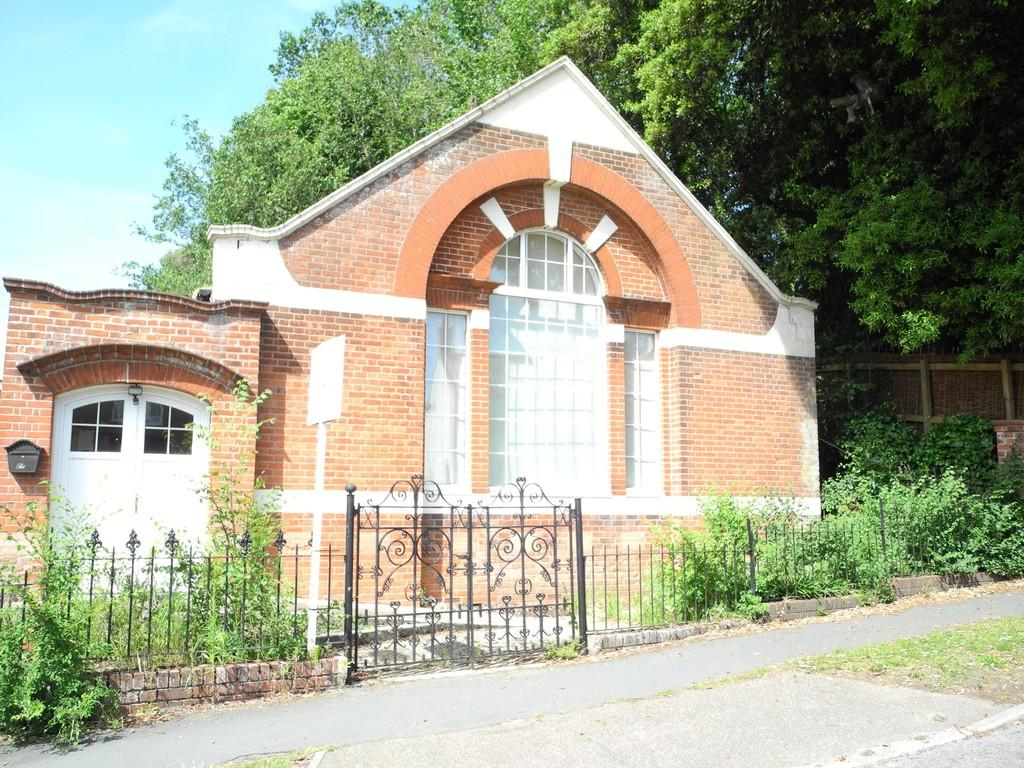 3 Bedrooms Detached House for sale in Barnby Methodist Church, The Street, Barnby, NR34 7QB