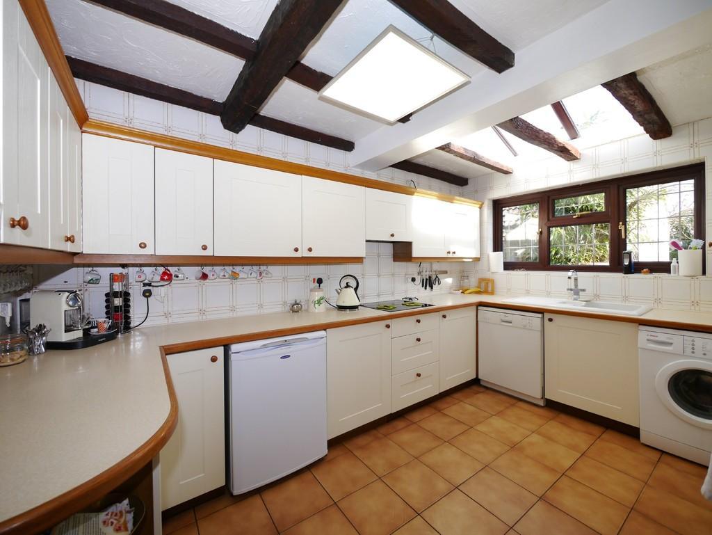 3 Bedrooms Detached House for sale in Fairhead Loke, Carlton Colville, Lowestoft