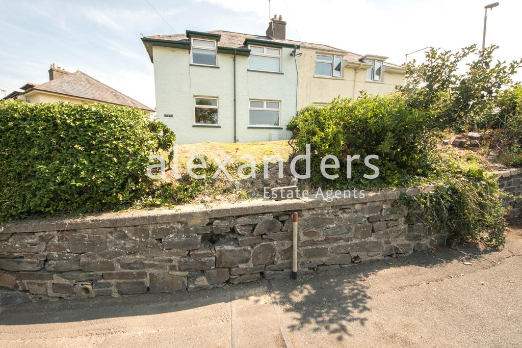 3 Bedrooms Semi Detached House for sale in Penparcau, Aberystwyth