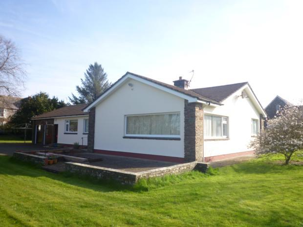 4 Bedrooms Bungalow for rent in North Road, Holsworthy,