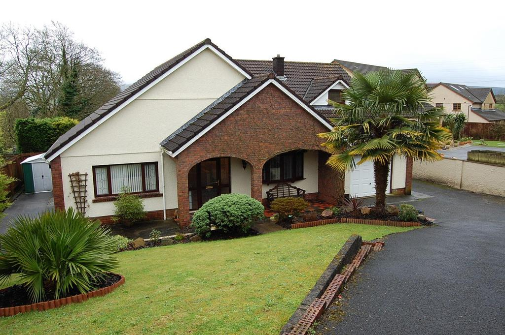 4 Bedrooms Detached Bungalow for sale in Penygarn Road, Ammanford