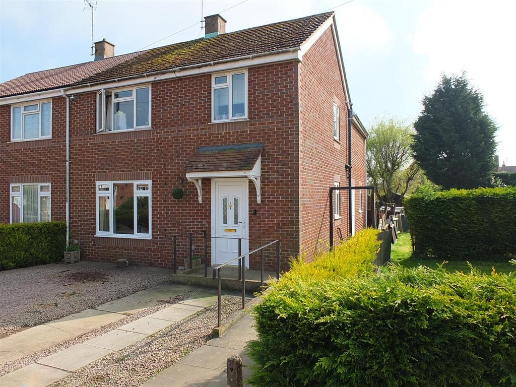 5 Bedrooms Semi Detached House for sale in Royal Close, Sutton Bridge