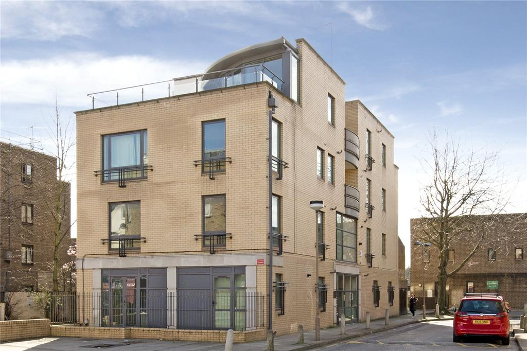 2 Bedrooms Flat for sale in Highgate Road, Kentish Town, London