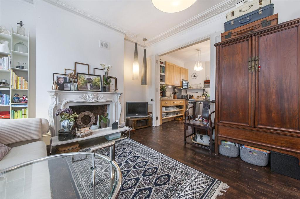 2 Bedrooms Flat for sale in Dunollie Road, Kentish Town, London