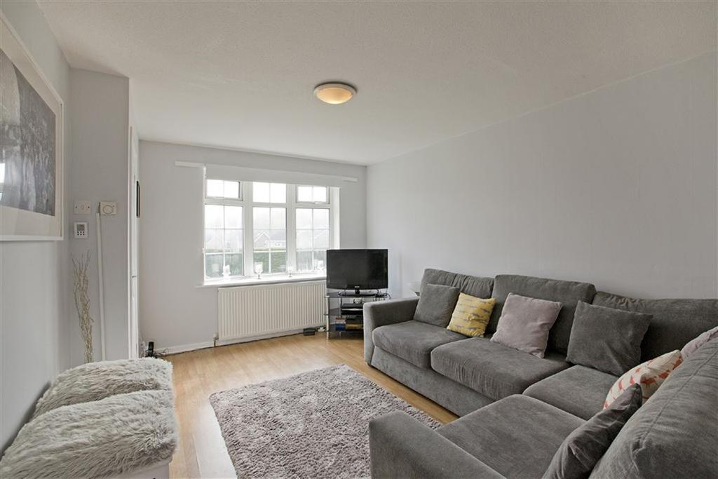 2 Bedrooms Semi Detached House for sale in Delamere Crescent, Harrogate, North Yorkshire
