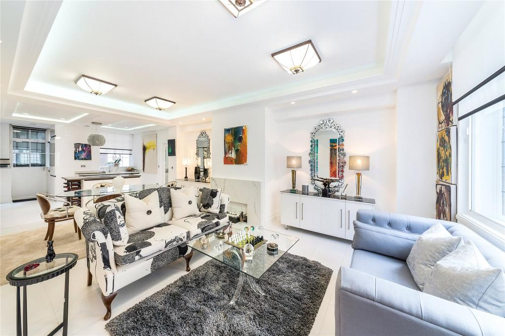 2 Bedrooms Flat for sale in Portland Place, London
