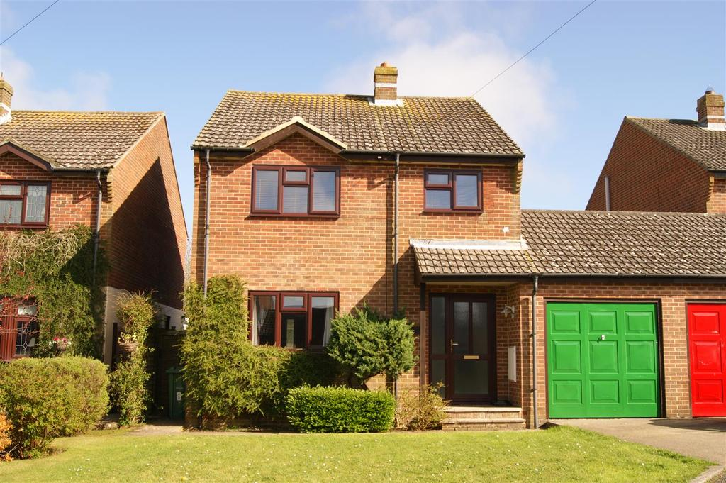 3 Bedrooms House for sale in Starks Close, Shorwell, Newport