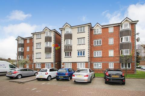 1 bedroom flat for sale - Keats Close, Enfield, EN3