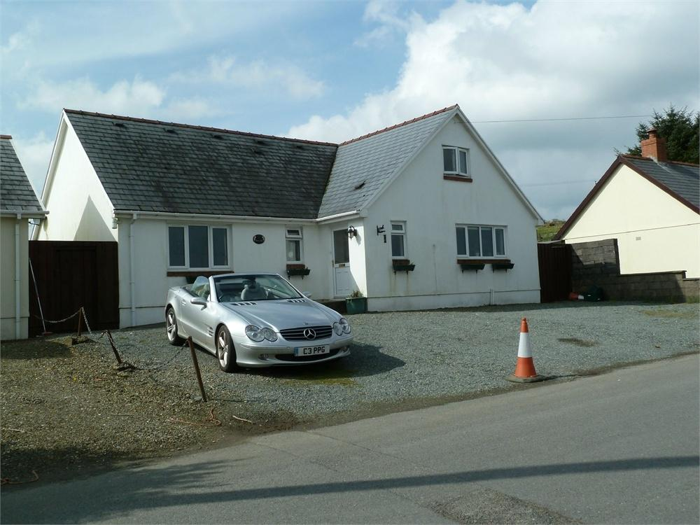 5 Bedrooms Detached Bungalow for sale in Maes Yr Haf, Tegryn, Llanfyrnach, Pembrokeshire