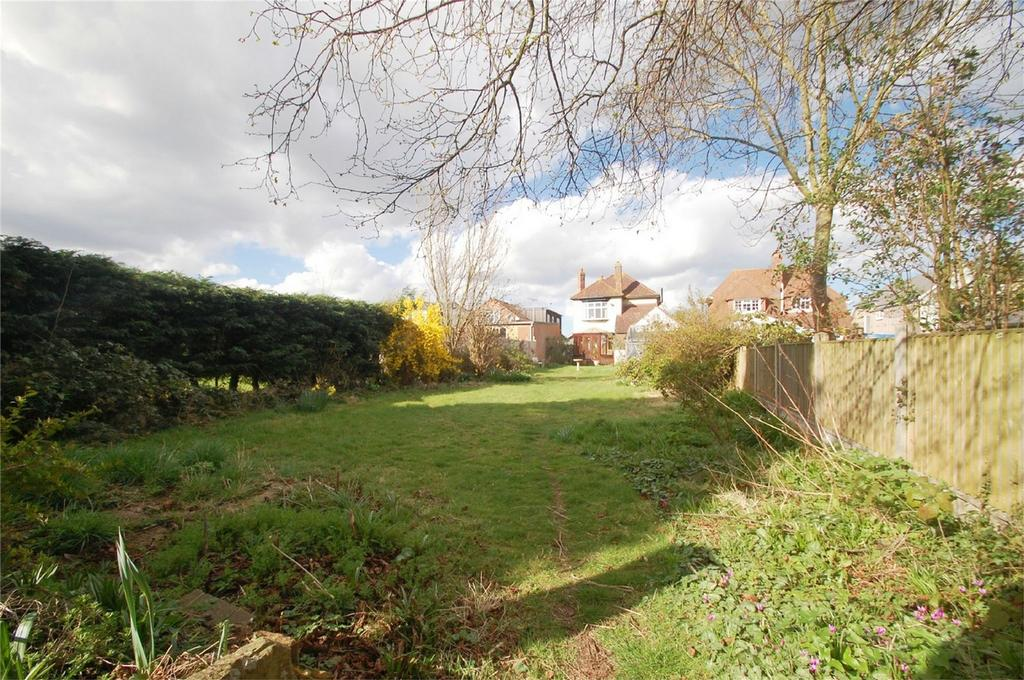 3 Bedrooms Detached House for sale in Woodside, Wigmore, Kent