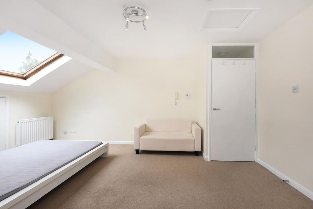 1 Bedroom Flat for sale in Victoria Drive, Southfields, SW19