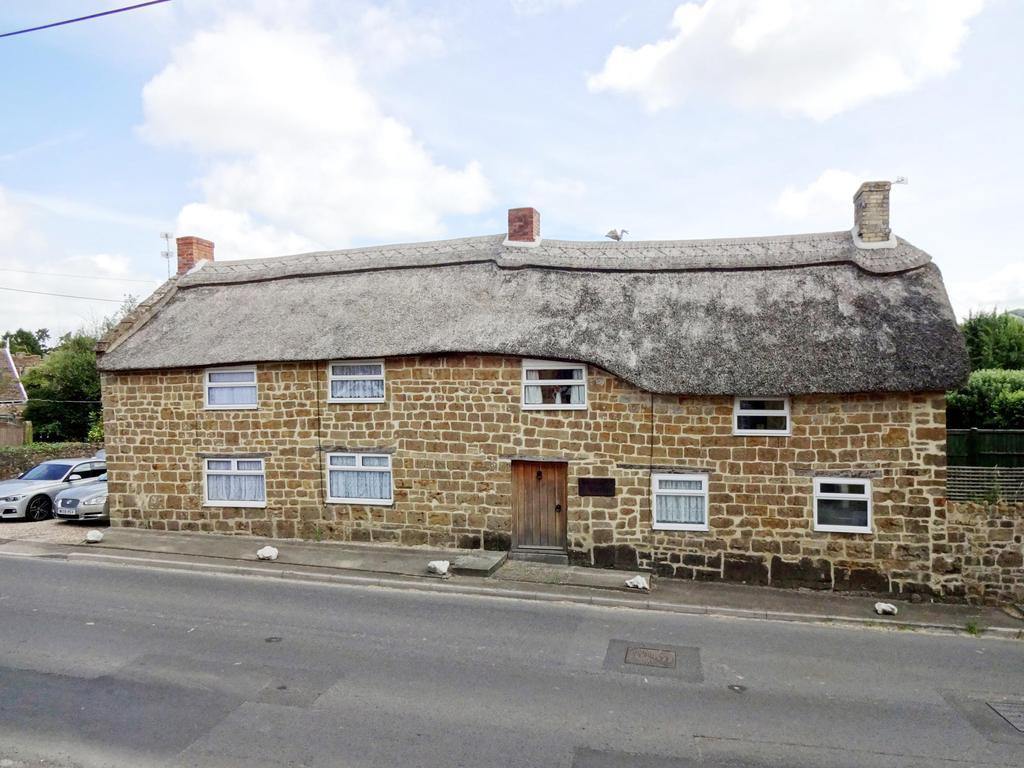 5 Bedrooms Detached House for sale in Donyatt, Ilminster