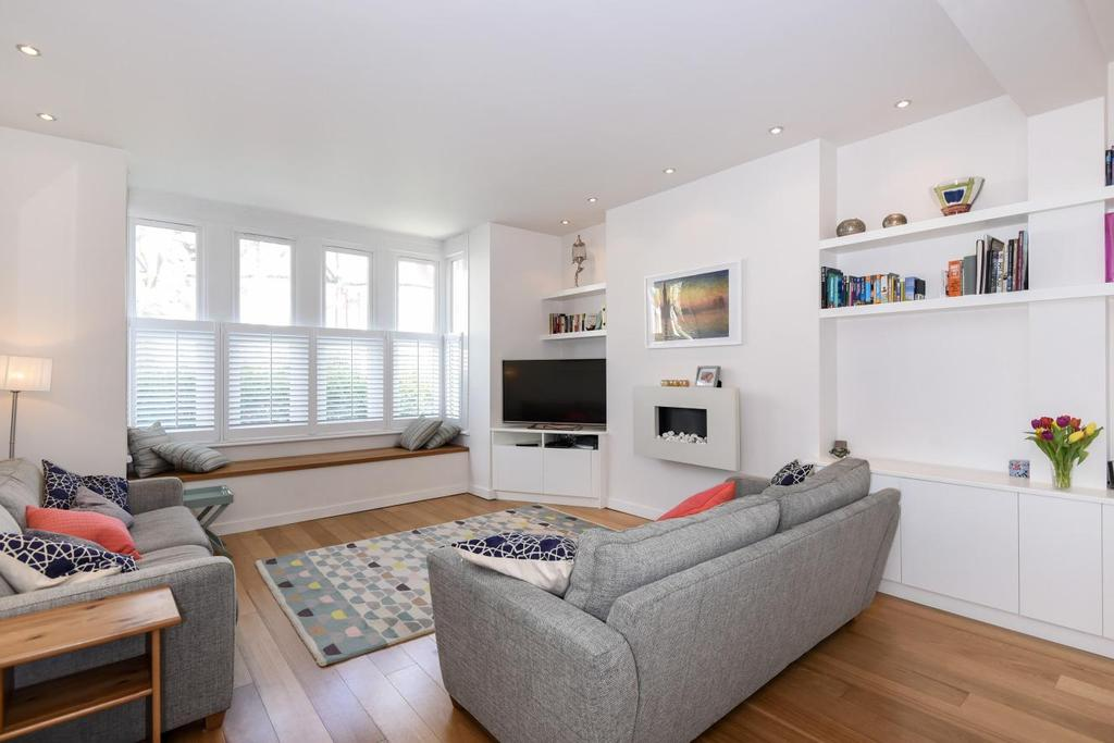 3 Bedrooms Flat for sale in Blenheim Gardens, Willesden Green, NW2