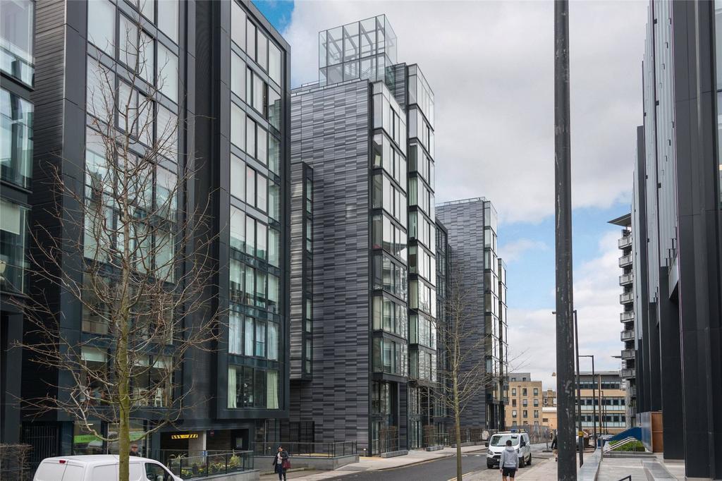 2 Bedrooms Apartment Flat for sale in Simpson Loan, Edinburgh