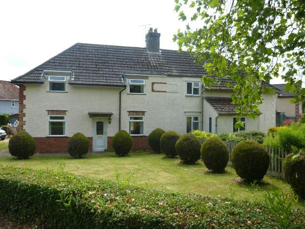 3 Bedrooms Semi Detached House for rent in Astrop Gardens, Kings Sutton