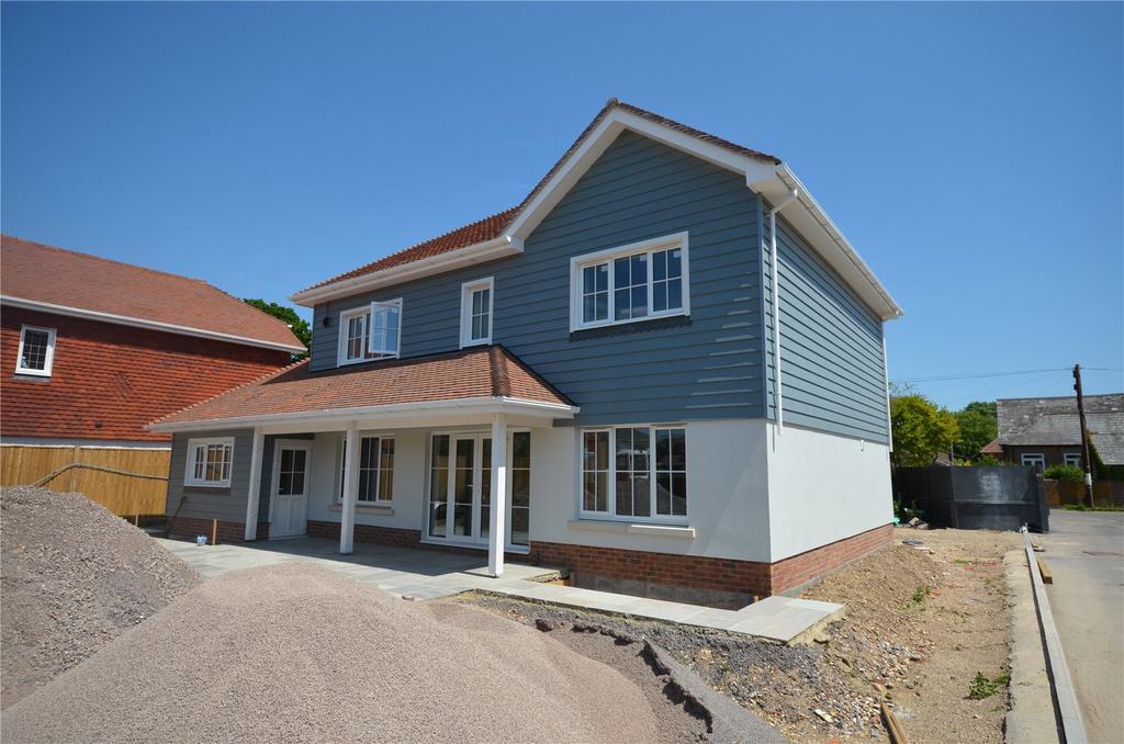 4 Bedrooms Detached House for sale in Oakdene Gardens, School Lane, North Mundham, Chichester,West Sussex, PO20