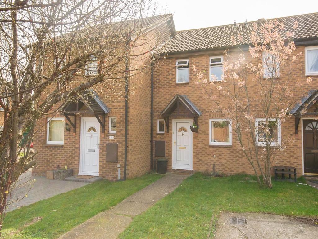 2 Bedrooms Terraced House for sale in Heideck Gardens, Hutton, Brentwood, Essex, CM13