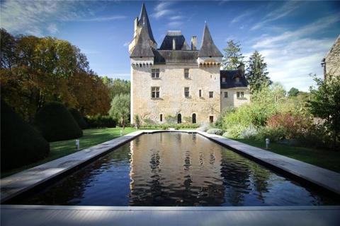 9 bedroom house  - Exquisite Riverside Chateau, Nr Les Eyzies-De-Tayac-Sireuil, Dordogne