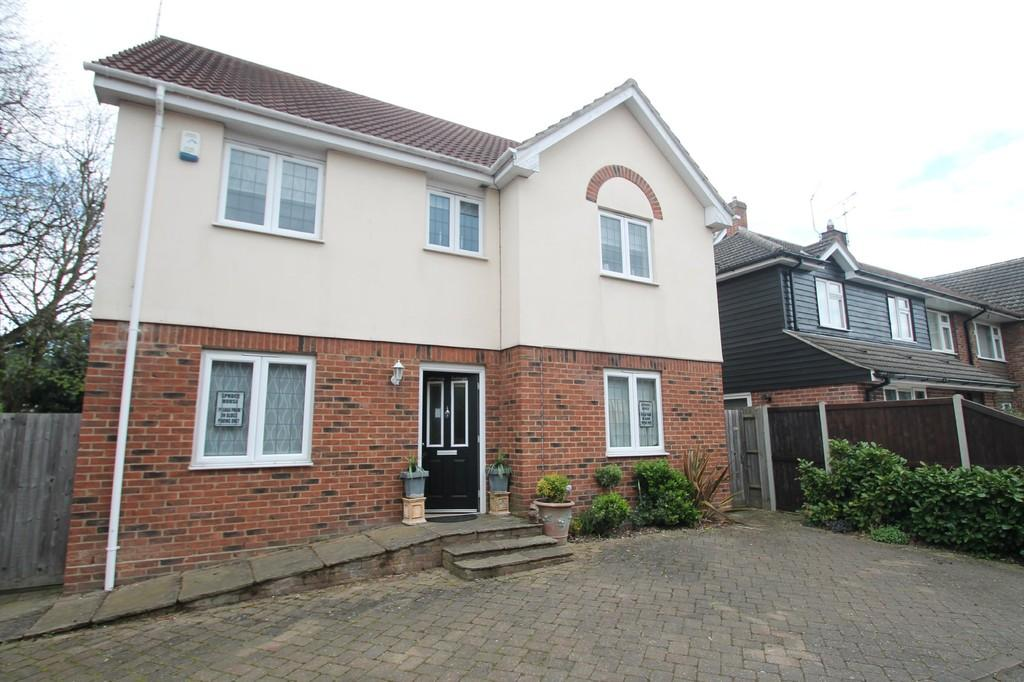 6 Bedrooms Detached House for sale in The Bringey, Great Baddow