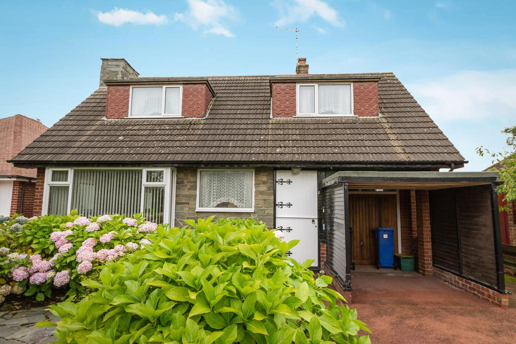 3 Bedrooms Detached Bungalow for sale in Meadows Avenue, Thornton Cleveleys