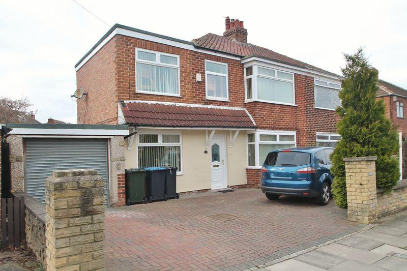 4 Bedrooms Semi Detached House for sale in Stoneleigh Avenue, Acklam