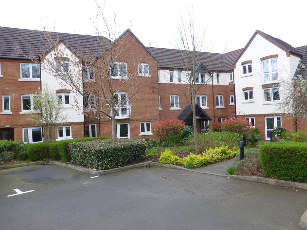 1 Bedroom Flat for sale in Orchard Court, Lugtrout Lane