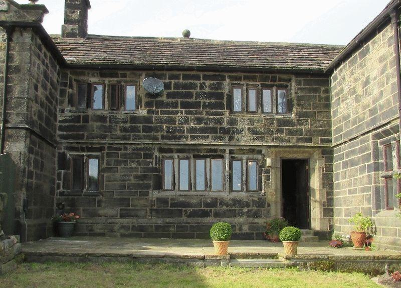 3 Bedrooms Terraced House for sale in Ashes Lane, Cross Stone, Todmorden