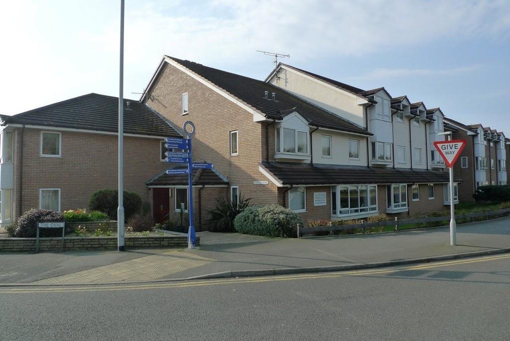 2 Bedrooms Apartment Flat for sale in Gloddaeth Avenue, Llandudno