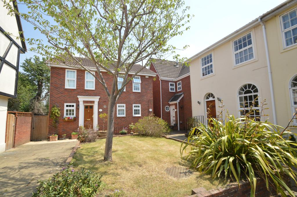 4 Bedrooms Detached House for sale in Belgrave Close, WALTON ON THAMES KT12