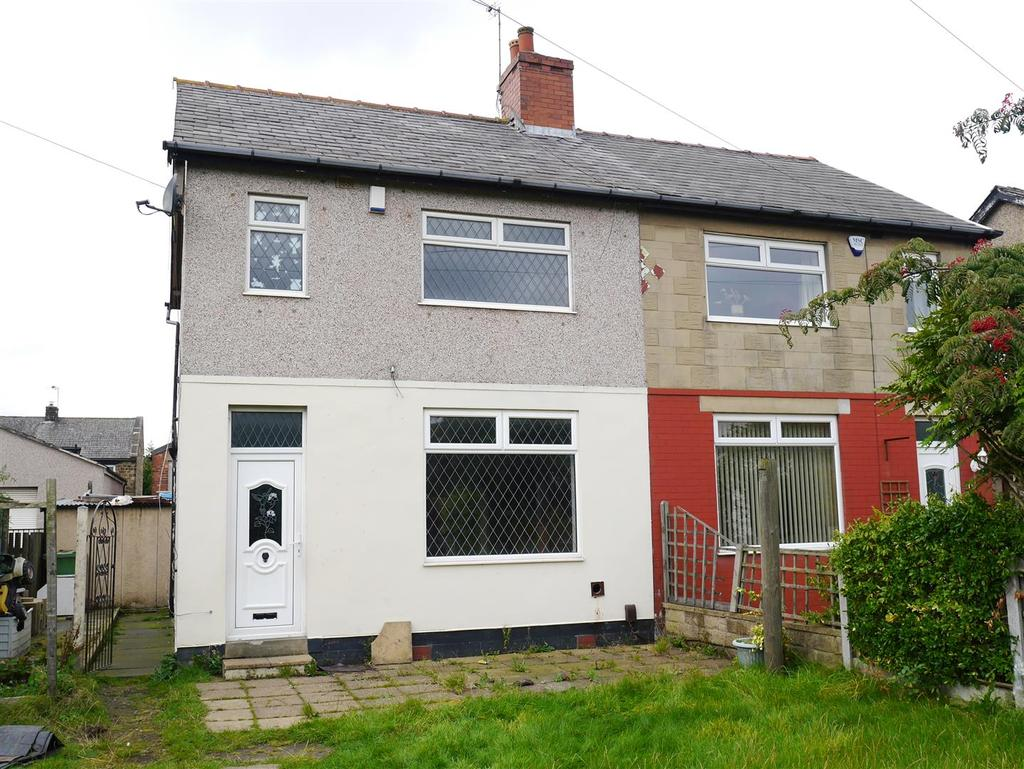 3 Bedrooms Semi Detached House for sale in Vulcan Street, Tong Street, BD4 9QU