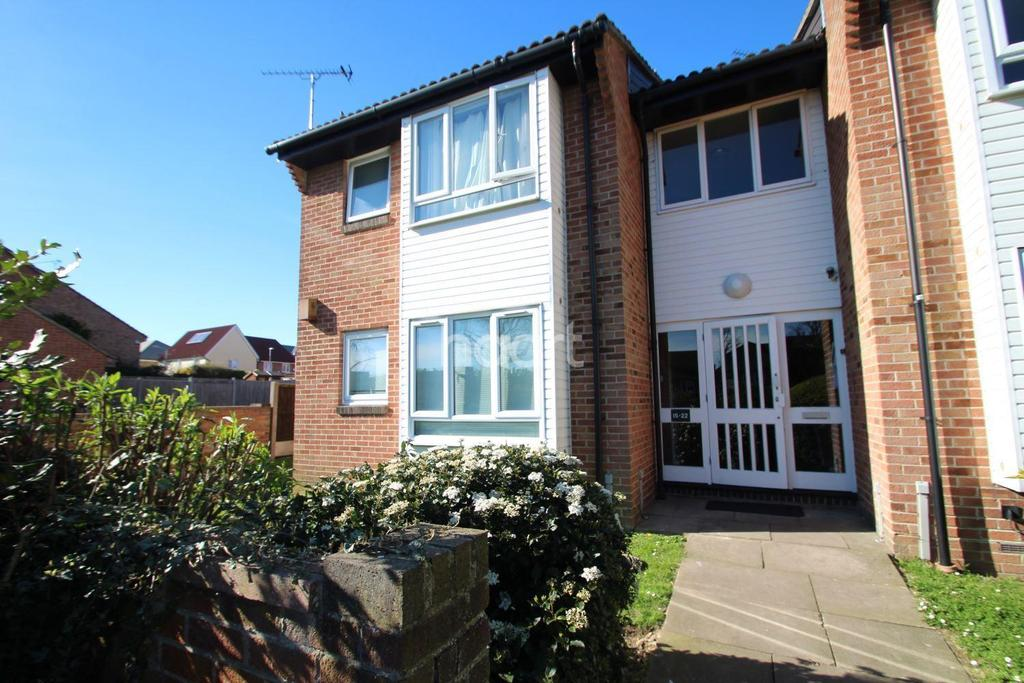 1 Bedroom Flat for sale in Stephens Close, Romford, RM3 7RS