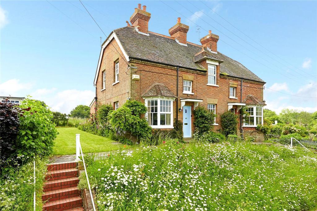 2 Bedrooms Semi Detached House for sale in Roughway, Tonbridge, Kent