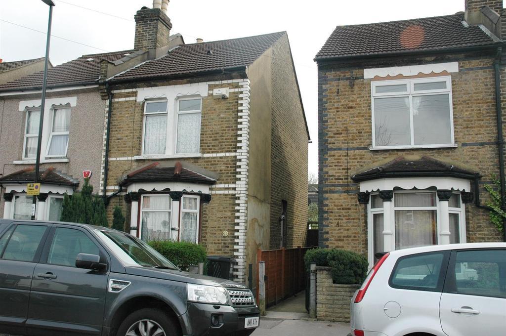 3 Bedrooms Semi Detached House for sale in Benson Road, Croydon