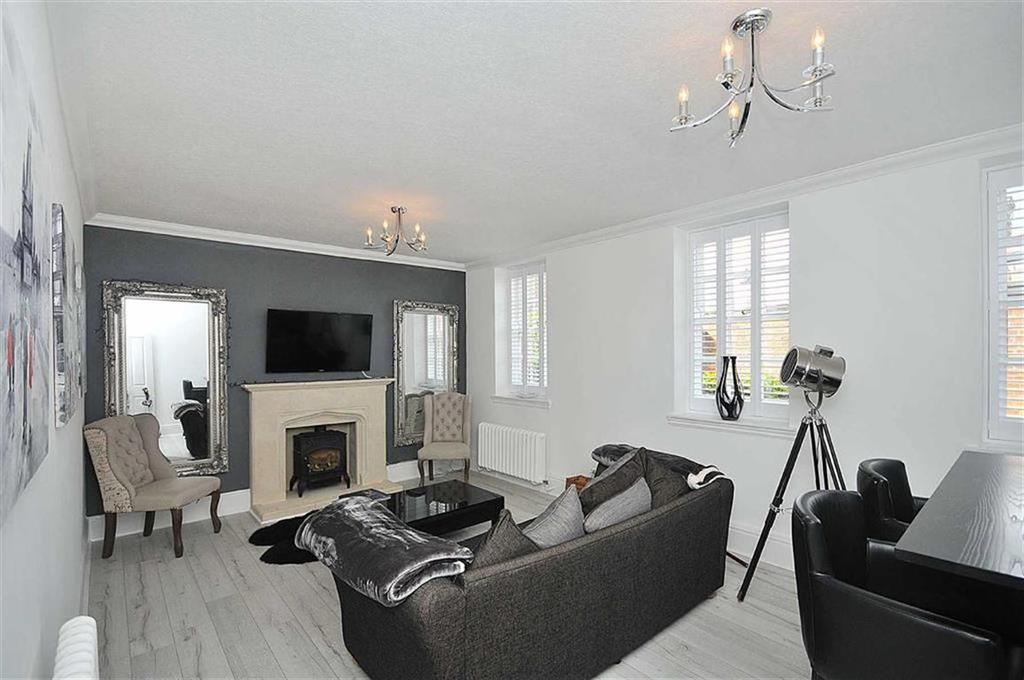 2 Bedrooms Apartment Flat for sale in Blandford Drive, Macclesfield