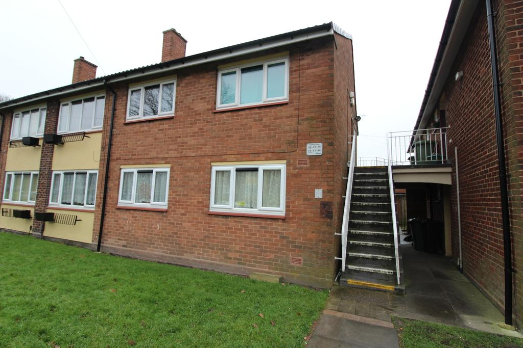 2 Bedrooms Flat for rent in Kipling Road, Willenhall WV12