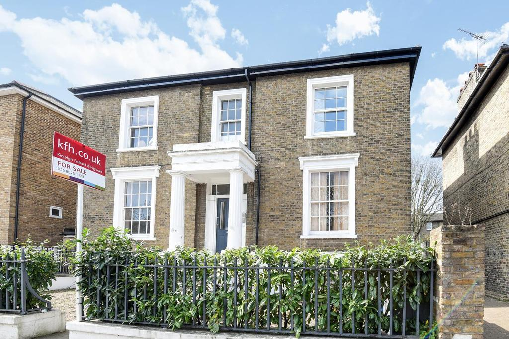1 Bedroom Flat for sale in Balham Grove, Balham