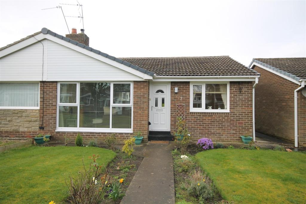 2 Bedrooms Semi Detached Bungalow for sale in Beaumont Court, Sedgefield, Stockton-On-Tees