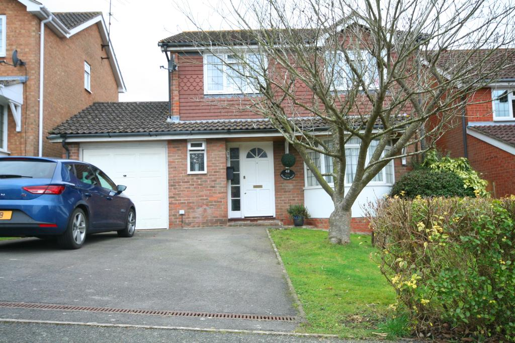 4 Bedrooms Detached House for rent in Staples Hill, Partridge Green RH13