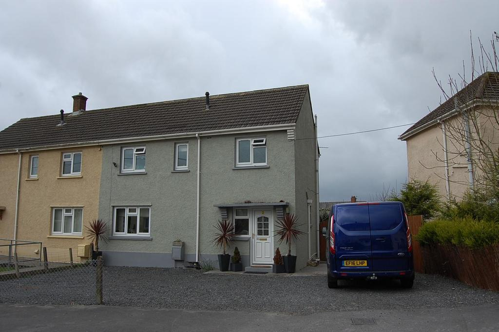 3 Bedrooms Semi Detached House for sale in Maesybont, Glanamman, Ammanford