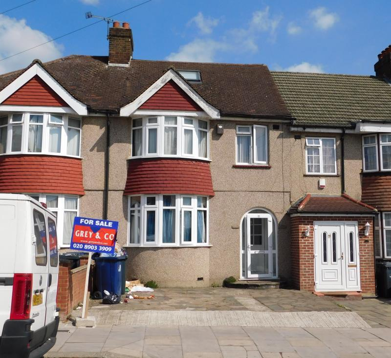 6 Bedrooms Terraced House for sale in Clifton Road, Greenford