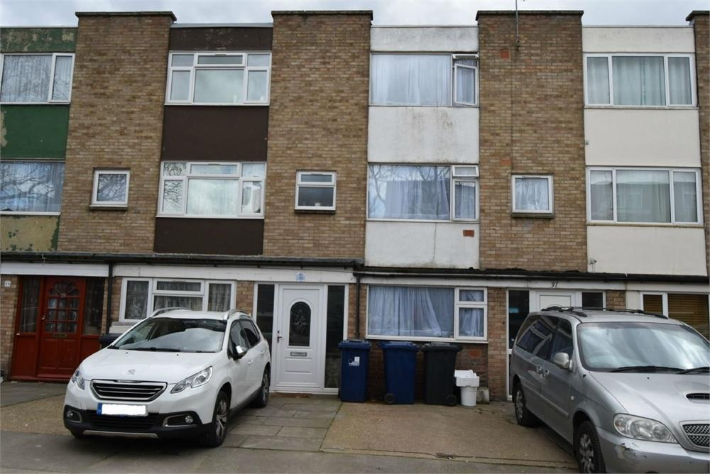 4 Bedrooms Town House for sale in Swan Road, Southall, Greater London