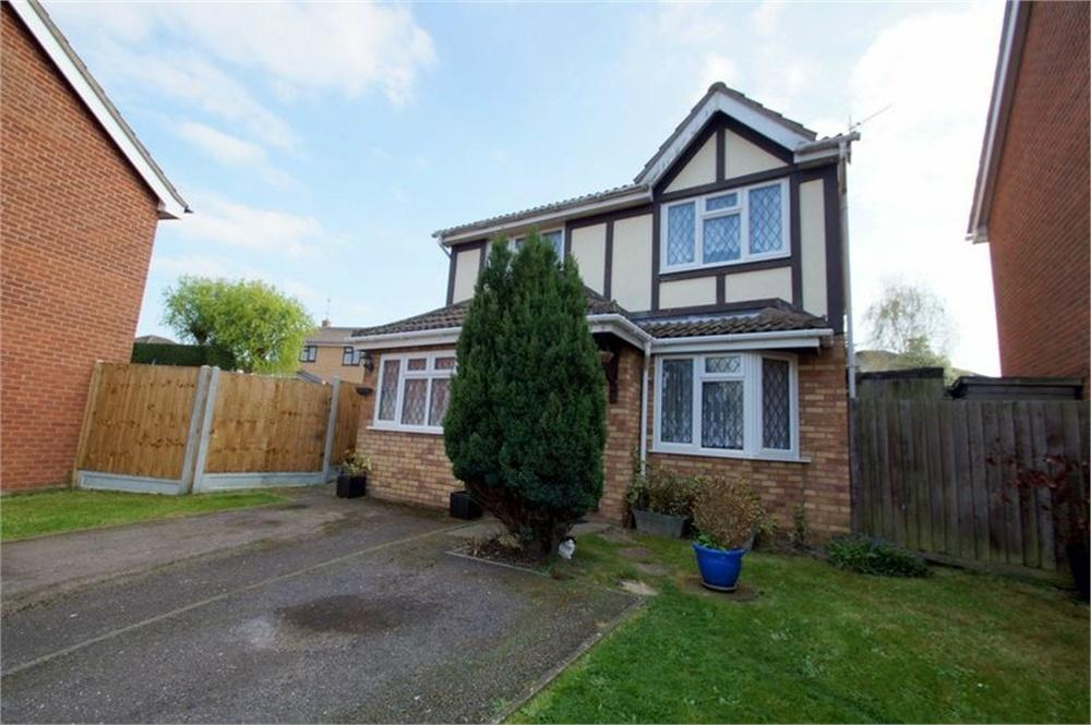3 Bedrooms Detached House for sale in Dunthorpe Road, CLACTON-ON-SEA, Essex