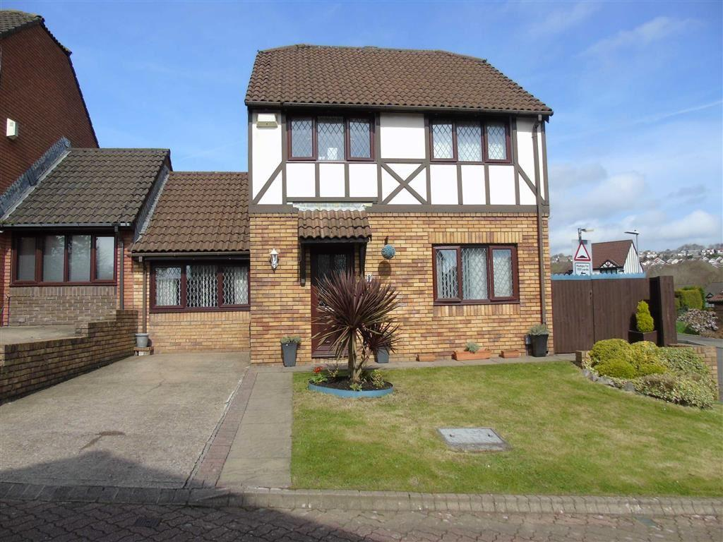 3 Bedrooms Detached House for sale in Gelli Aur, Treboeth, Swansea