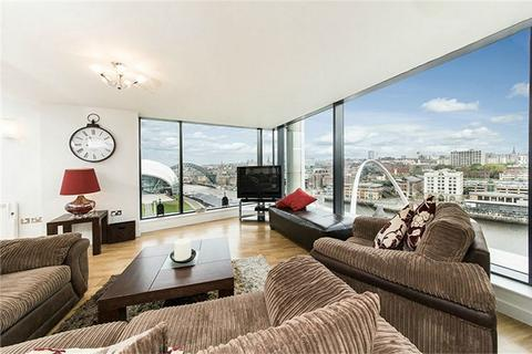 3 bedroom flat for sale - Baltic Quay Penthouse, Mill Road, Gateshead, Tyne and Wear