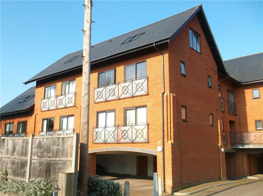 2 Bedrooms Apartment Flat for sale in Ironbridge Works, Tickford Street, Newport Pagnell, Buckinghamshire